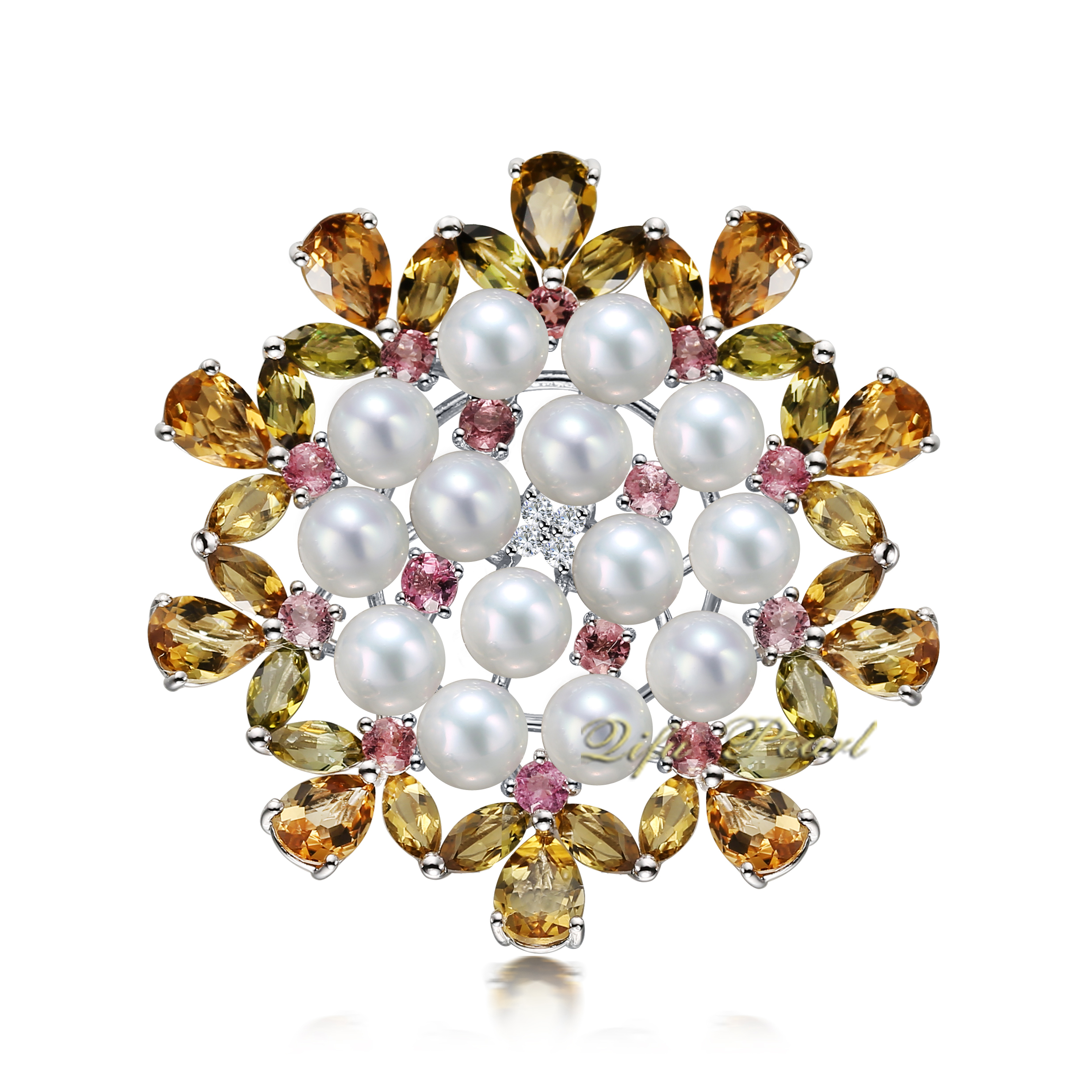 9K White Gold Freshwater Pearl Brooch